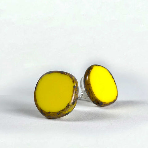 earring earrings glass round stud silver scma smith college musuem of art yellow