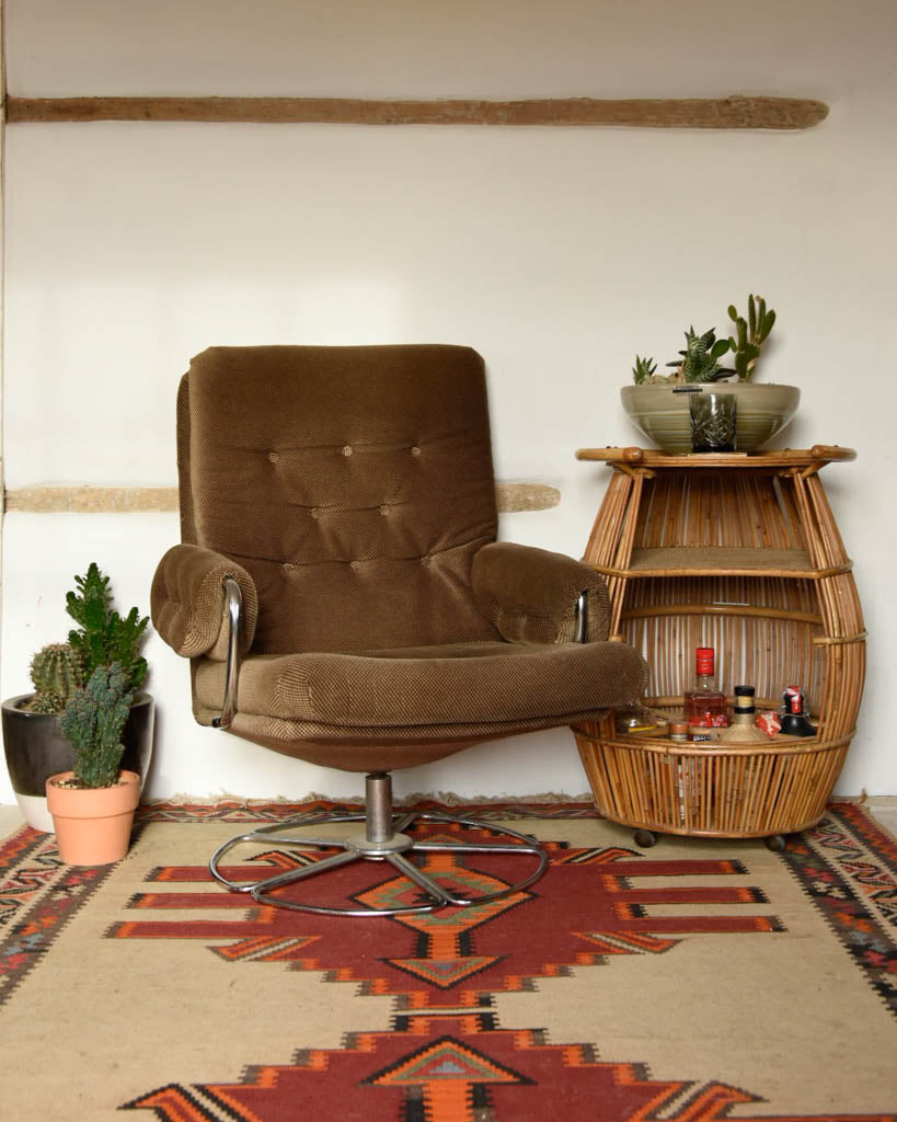Mid Century Retro Swivel Chair