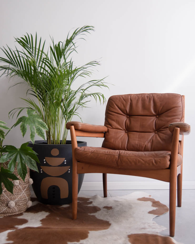 Göte Möbel Nassjö Mid Century Leather Tan Armchair