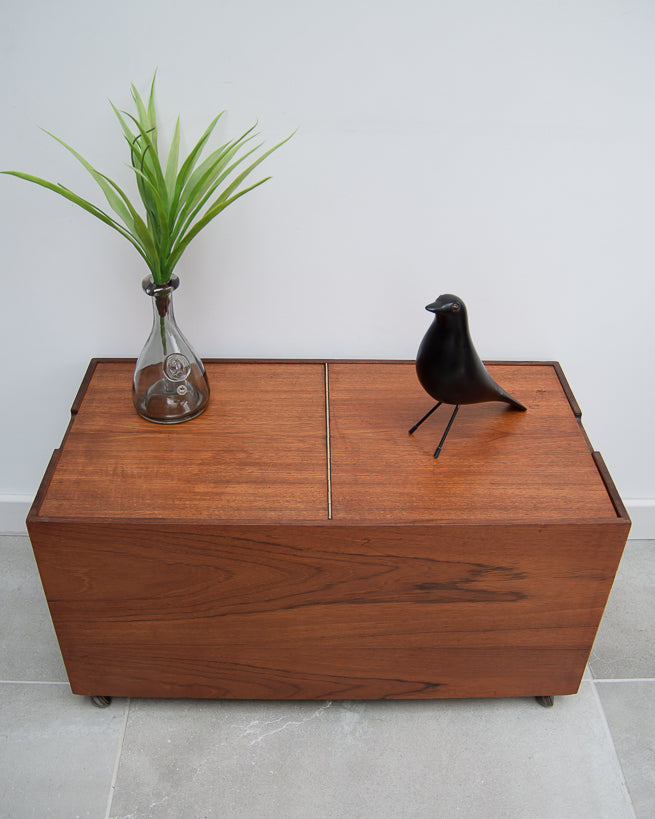 Retro Mid Century Coffee Table / Vinyl Records Cabinet