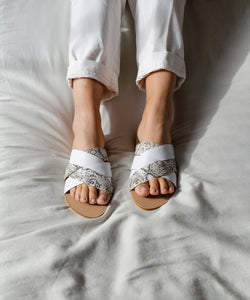 Braided crossband sandals - pitón blanco