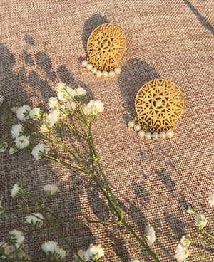 Gold plated earrings with freshwater pearls