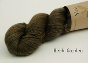 Yeti - Yak and Silk yarn Sage green