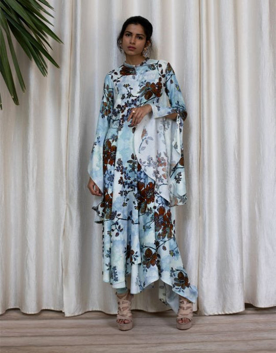 Englarged Fowers Printed Dress with Bell Sleeves