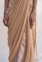 Load image into Gallery viewer, Georgette Saree in Gold