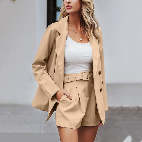 Fashion Flap Pockets Suit Collar Short Pants Belted Suit