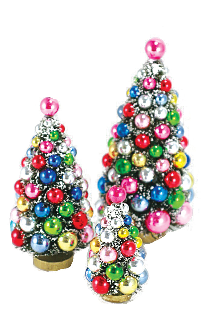 Holiday Tree With Ball Ornaments