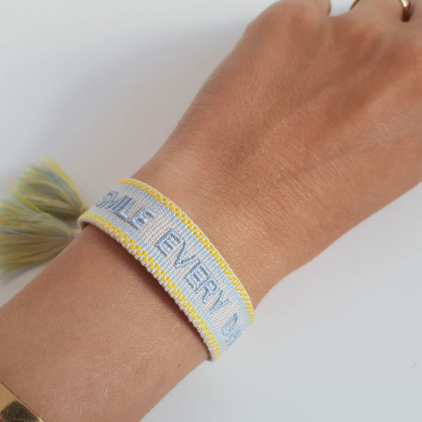 smile every day Armband