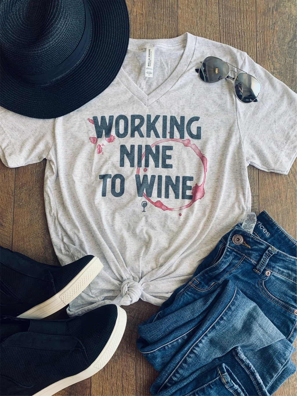 Working Nine to Wine Graphic Tee - HeartsEase Clothing