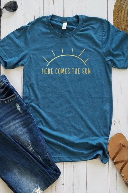 Here Comes The Sun Graphic Tee - HeartsEase Clothing