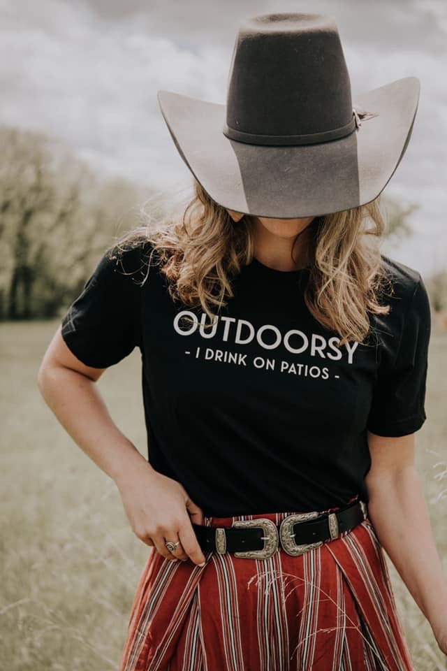 Outdoorsy Graphic Tee - Black - HeartsEase Clothing