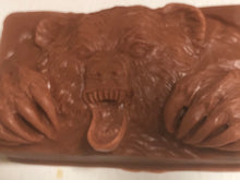 Load image into Gallery viewer, Bear soap with Pine Needle essential oil 5 oz bars