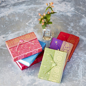 Medium Sari Journal