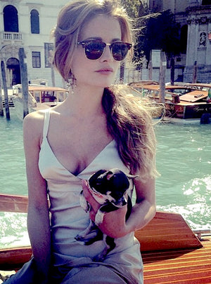 E4002 earrings in Venice