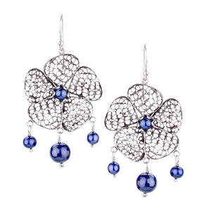 Yvone Christa_Phlox flower earrings - blue pearls_E4123