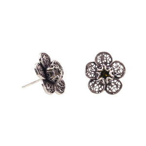 Yvone Christa_LACE FLOWER STUD EARRINGS_E5140