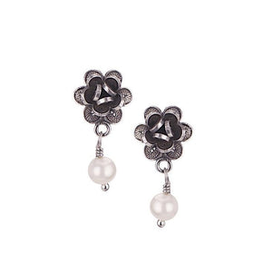 E021_White Pearl_ROSEBUD EARRINGS by Yvone Christa