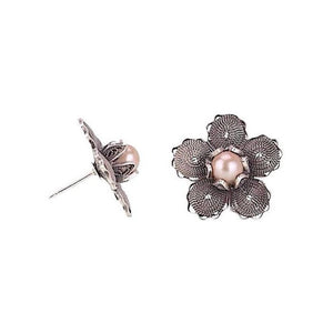 Yvone Christa_Rosehip stud earrings_E1031