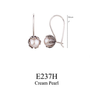 Tulip cup hanging earrings - cream pearl - medium