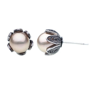 Yvone Christa_Tulip cup earrings_Cream Pearls_E237