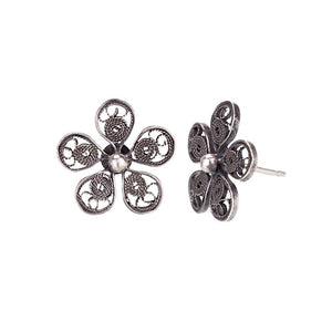 E4088 HORTENSIA FILIGREE FLOWER STUDS by YVONE CHRISTA