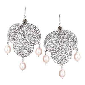 Yvone Christa_LARGE PHLOX PETAL EARRINGS WITH PINK PEARLS_E4129
