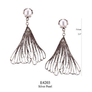 Ginkgo biloba earrings with pearl post