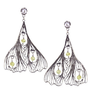 Yvone Christa_GINKGO BILOBA EARRINGS WITH PERIDOT_E4211
