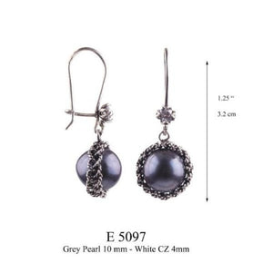Morning Dewdrop earrings - dark blue pearls