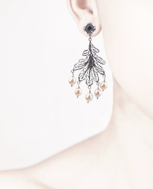 Oak leaf chandelier earrings - pearls