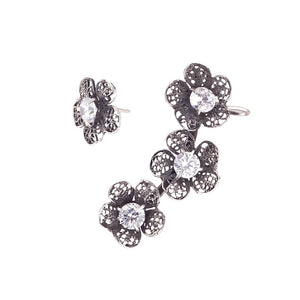 Yvone Christa_TRIPLE PHLOX EAR CUFF AND SINGLE FLOWER EARRING _E4109