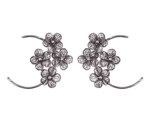 Yvone Christa_FLOATING LACE FLOWERS ON HOOP EARRING_E5144