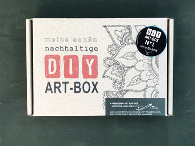 meine-schöne-nachhaltige-diy-art-box-styling-black-friendship-crazycreative.de-by-gabriele-van-de-flierdt-photo-box-01