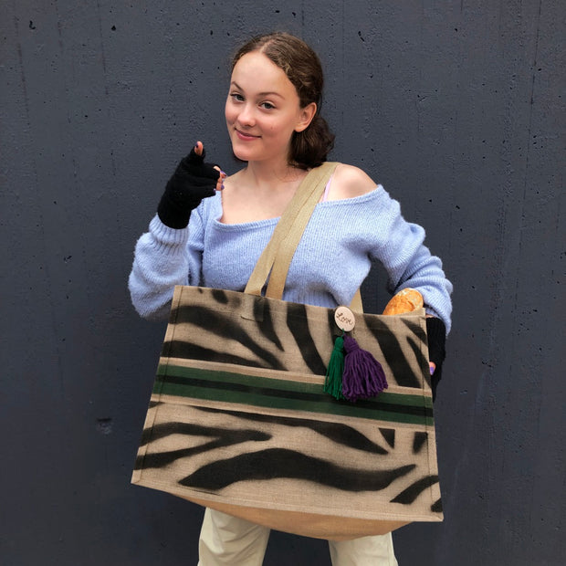 2019-jute-shopper-zebra-stripe-green-emma-foto-001-crazycreative.jpg
