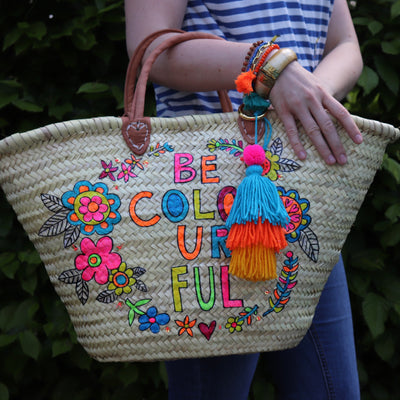 be-colorful-handbemalte-korbtasche-flower-power-multicolor-bohostyle-mit-leder-griffen-und-schulterriemen-crazycreative.de-by-gabriele-van-de-flierdt