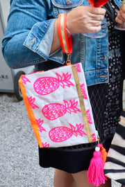 pineapple-love-handbedruckte-clutch-vegan-pineapple-print-pink-orange-texipap-henkel-crazycreative.de-by-gabriele-van-de-flierdt