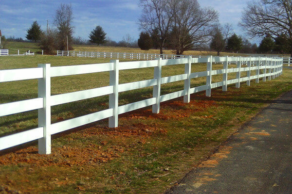 3 Rail White Vinyl Fence Truckload $4.11 per foot