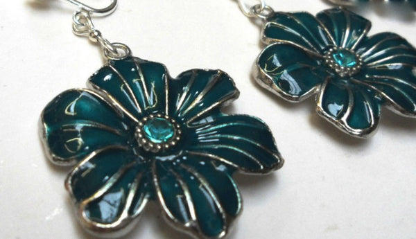 Jewellery - Enamel Flower Clip-on Earrings