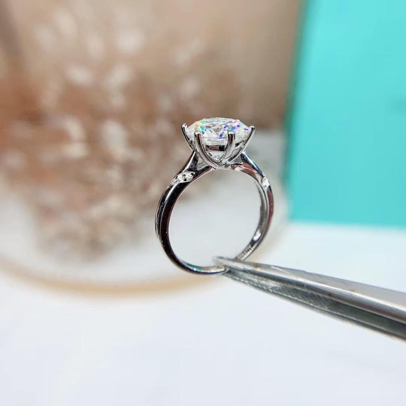 Platinum Plated Silver Moissanite Ring 1ct, 1.5ct, 2ct Options - Moissanite Engagement Rings & Jewelry | Luxus Moissanite