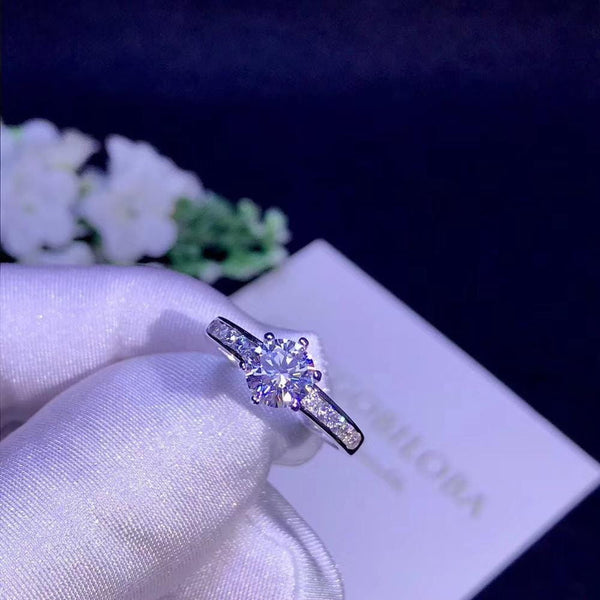 Solitiare Silver Moissanite Engagement Ring 1 & 0.8 Carat Options - Luxus Moissanite Engagement Rings