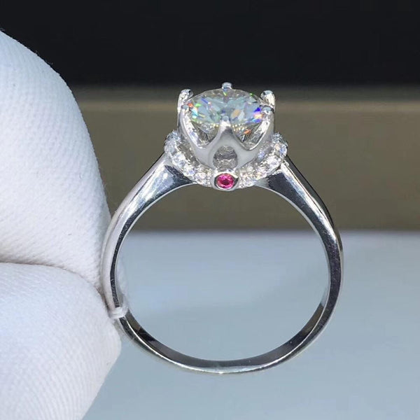 Platinum Plated Silver Halo Moissanite Ring 0.5ct or 1ct - Moissanite Engagement Rings & Jewelry | Luxus Moissanite