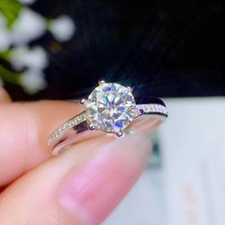 White Gold Plated Silver Moissanite Ring 1ct & 2ct Options - Moissanite Engagement Rings & Jewelry | Luxus Moissanite
