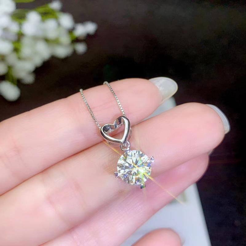 White Gold Plated Silver Heart Moissanite Necklace 1ct - Moissanite Engagement Rings & Jewelry | Luxus Moissanite
