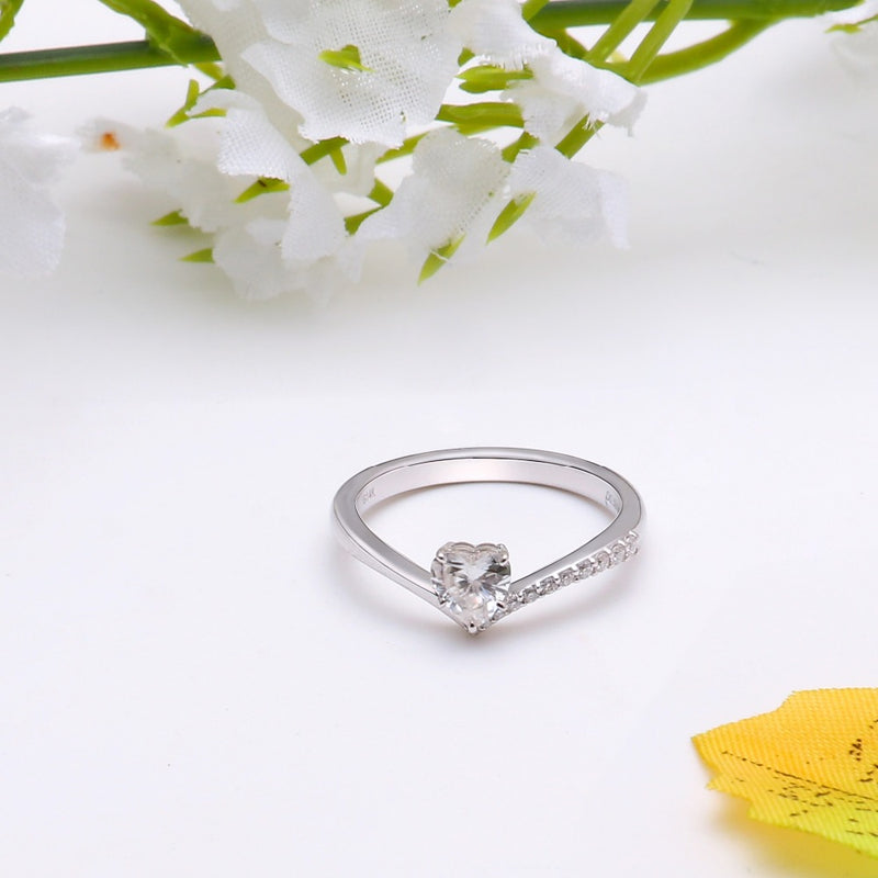 14k White / Yellow / Rose Gold Heart Cut Moissanite Ring 0.5ct