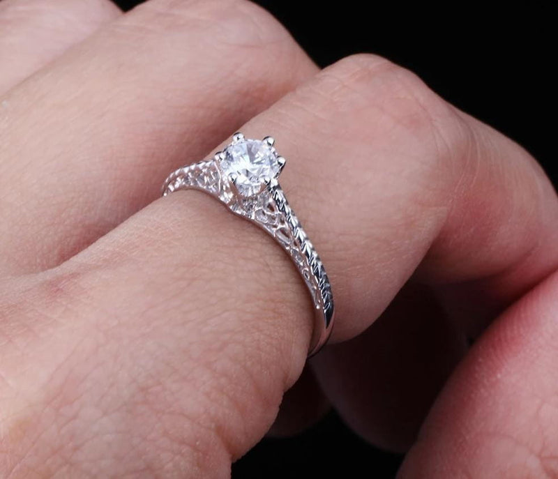 Moissanite Engagement Ring Vintage / Solitiare .5 Carat, Silver Band - Luxus Moissanite Engagement Rings