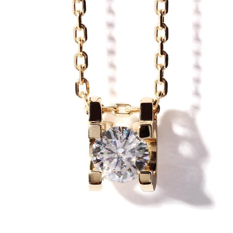 18k Yellow Gold Moissanite Necklace 1ct & 0.4ct Options - Moissanite Engagement Rings & Jewelry | Luxus Moissanite