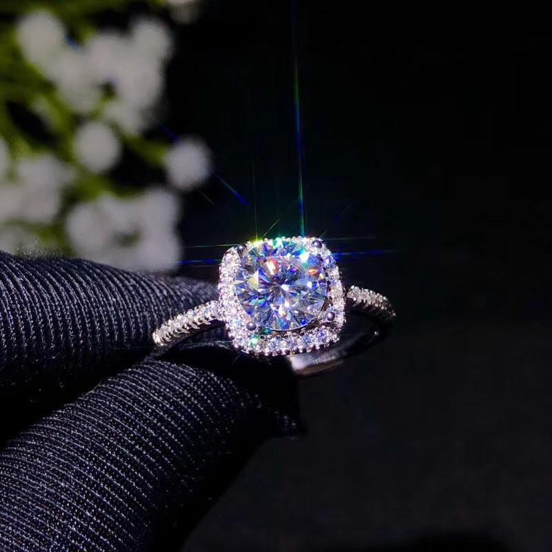 Halo Moissanite Engagement Ring 1 Carat Center Stone - Luxus Moissanite Rings & Jewelry