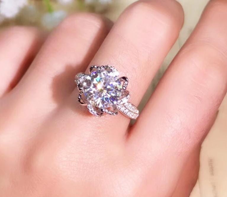 Platinum Plated Silver Vintage Moissanite Ring 1ct, 2ct, 3ct Options - Moissanite Engagement Rings & Jewelry | Luxus Moissanite
