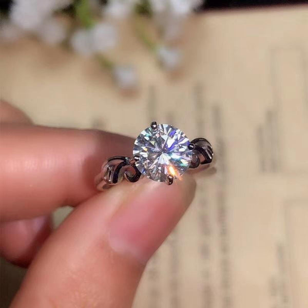 Unique Solitaire / Vintage Moissanite Engagement Ring 1, 1.2, 2 Carat - Luxus Moissanite Engagement Rings