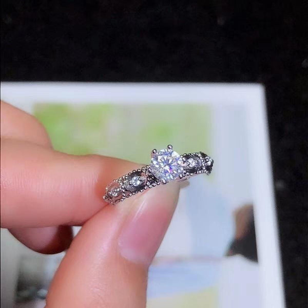 Vintage Silver Moissanite Engagement Ring 0.5 Carat Center Stone - Luxus Moissanite Engagement Rings
